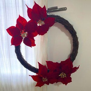 *NWT* Poinsettia Wreath